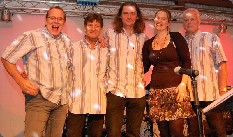 Die Band Band vor einem Auftritt